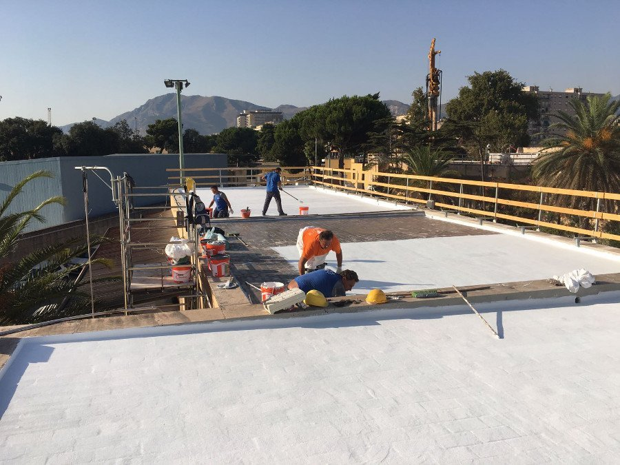 Application liquid membrane roof waterproofing